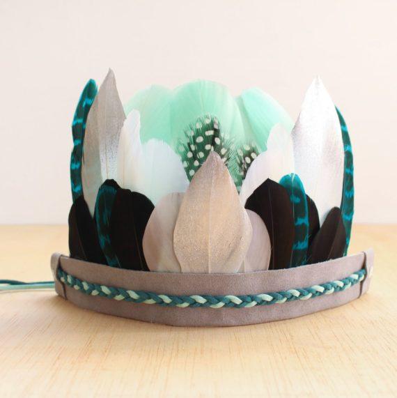 "Corona infantil de plumas ""Lonan"""