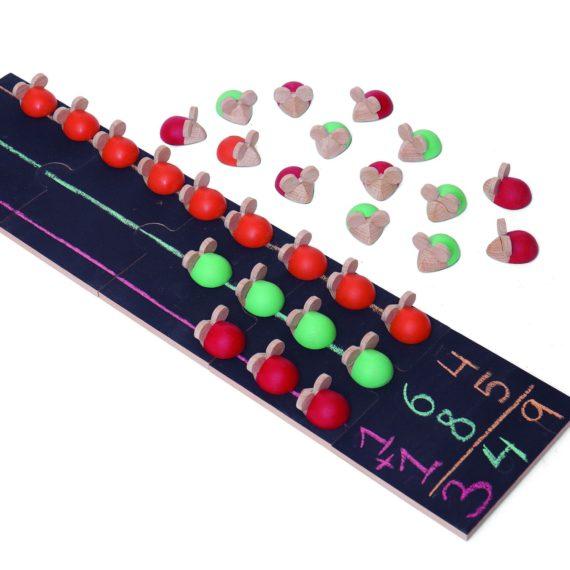 Con este juego de Wodibow los ratones de colores te enseñarán a sumar y a restar de forma fácil.